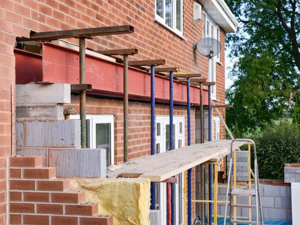 installing metal beam during house extension